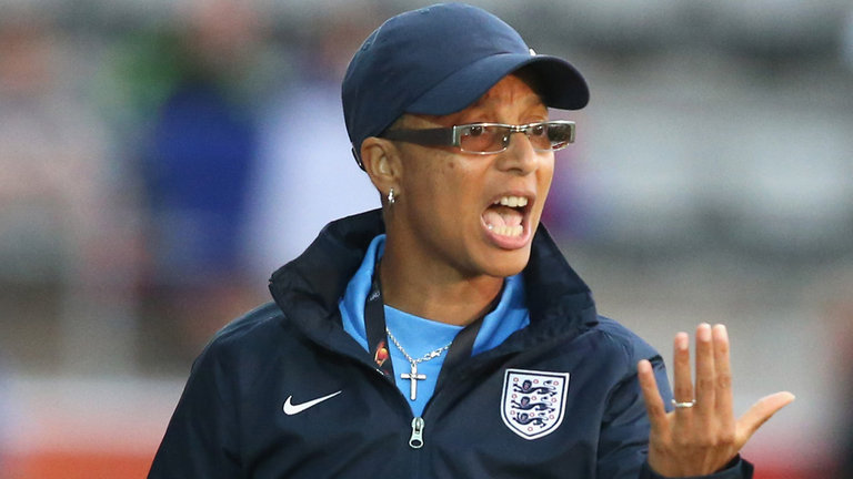 Hope Powell Coaching Session – Playing Out From The Back & Through The Thirds